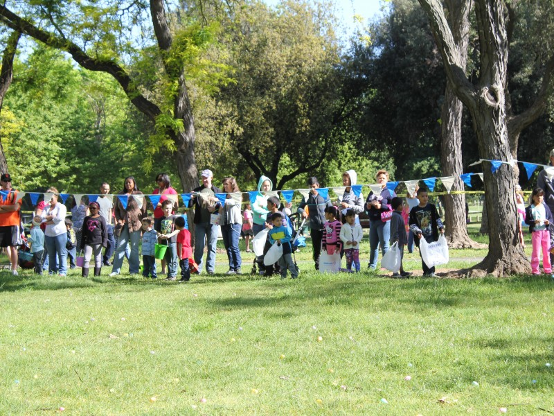 children ready to start the egg hunt at hoppin and huntin