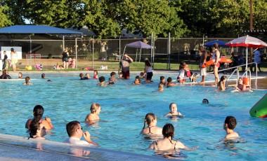 Kids enjoying the pool at Lincoln Village