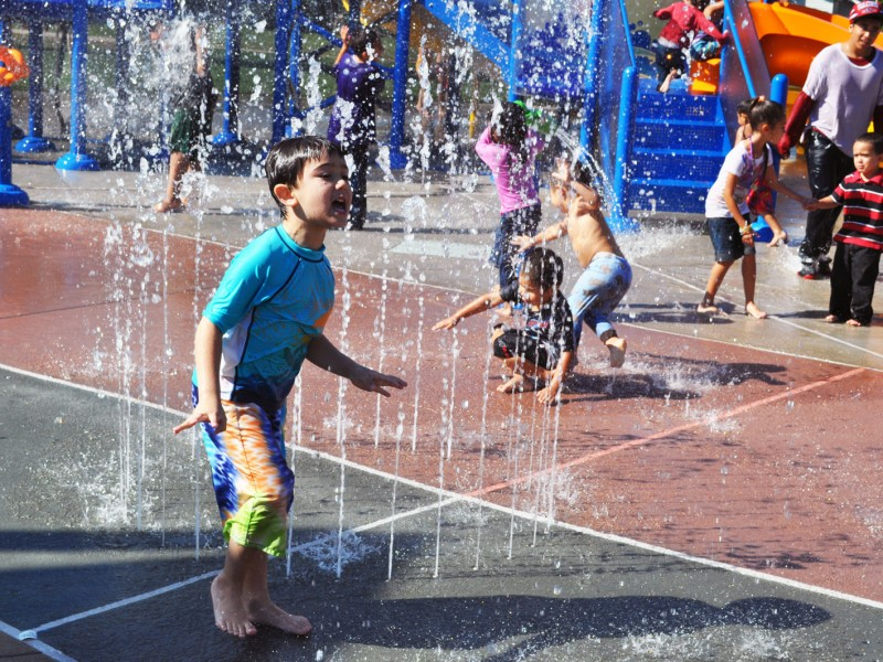 kids enjoying splash park